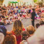 Maira Danni: gestalt therapy and social awareness